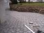Fliser og kampestensmur i Dalby