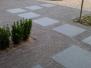 Indkørsel og sti lavet i tegl og granit, Saturnvej i Løsning